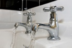 running-water-bath-faucet